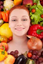 girl's face in eating a raw food die